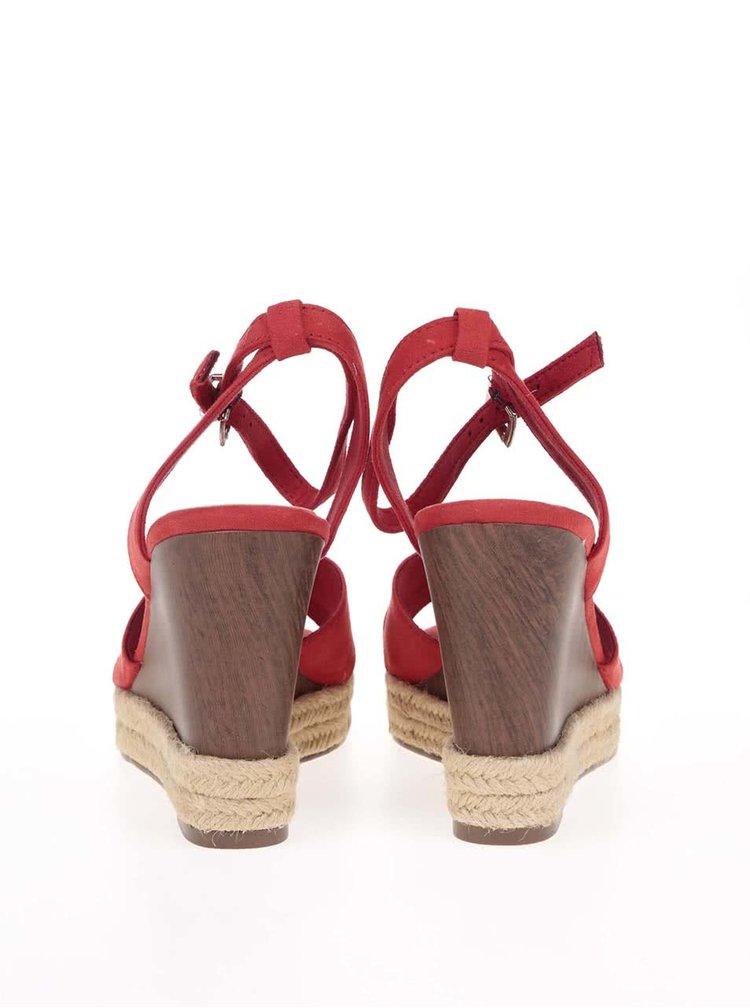 Červené sandálky na platforme Tamaris