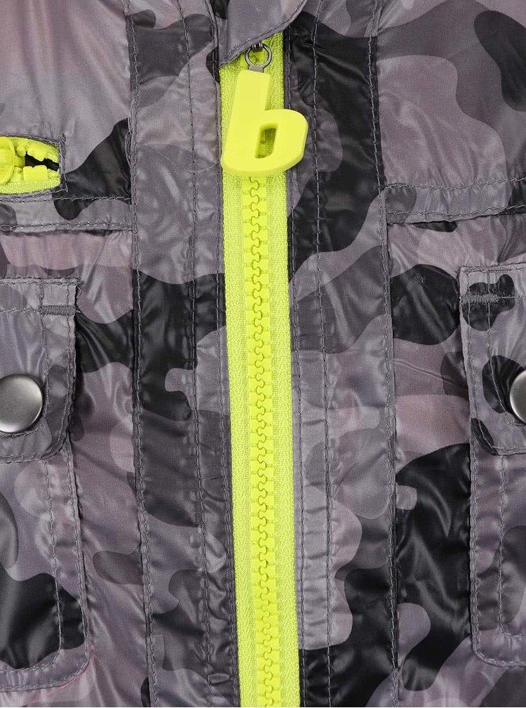 Geacă Bóboli  pentru băieți cu model camuflaj rezistentă la ploaie