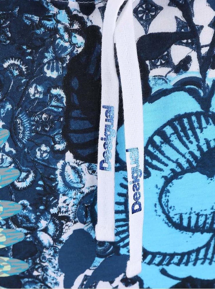 Bílé tričko s modrými květinami Desigual Cherain Rep