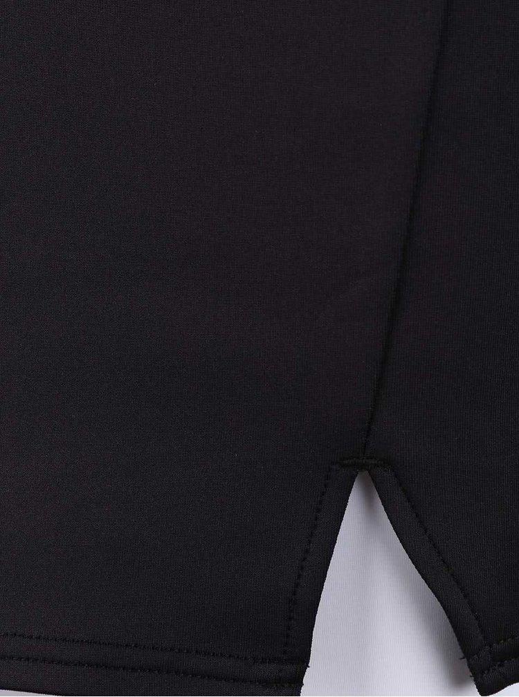 Černé upnuté šaty s páskem Lipsy