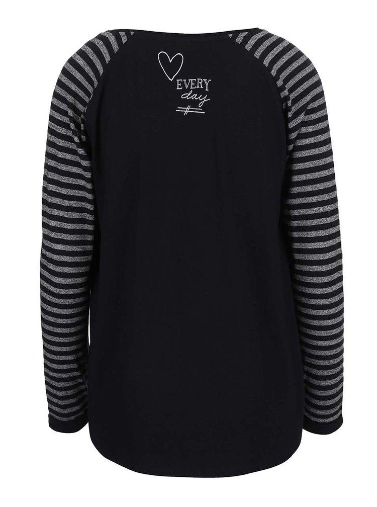 Černé tričko s pruhovanými rukávy a potiskem Maison Scotch
