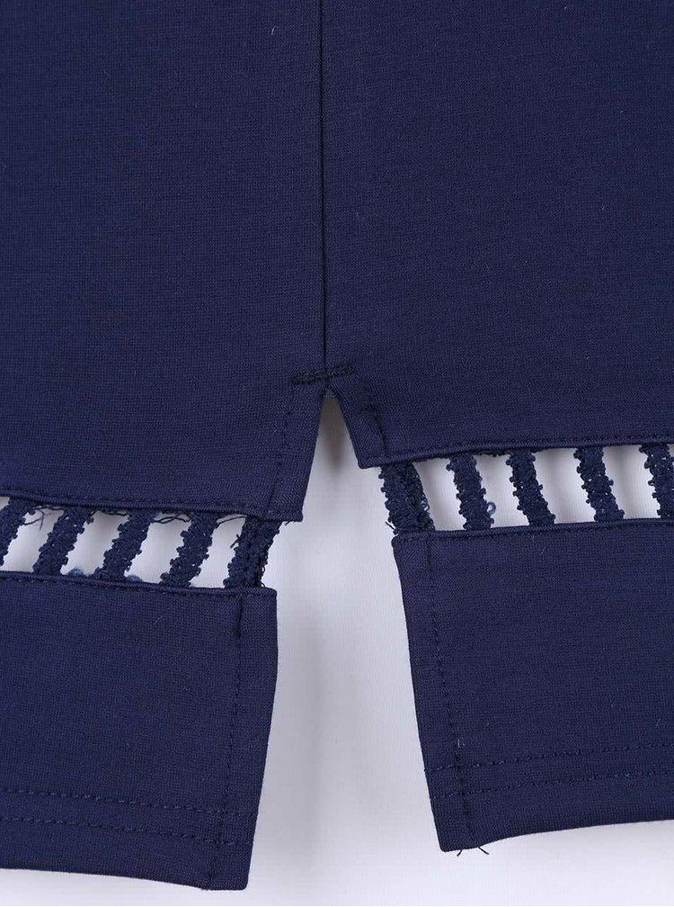 Tmavomodré šaty s prestrihmi v páse AX Paris