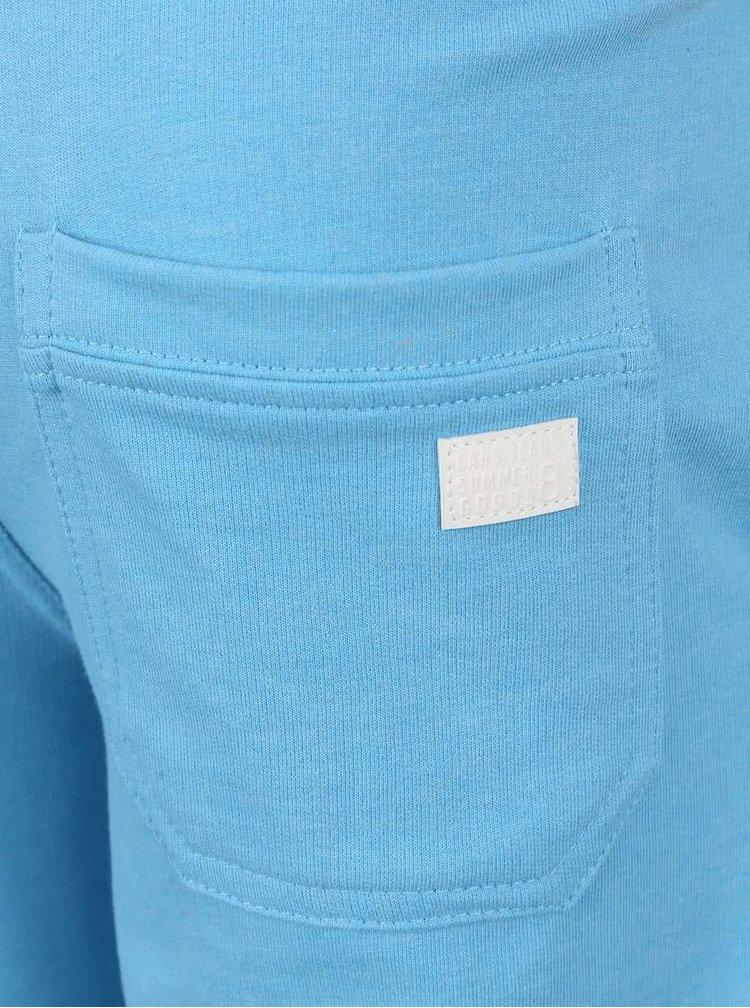 Svetlomodré chlapčenské teplákové kraťasy Cars Jeans Senio