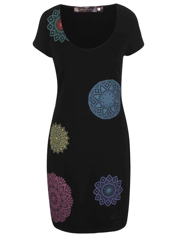 Černé šaty s barevným vzorem Desigual Aileen