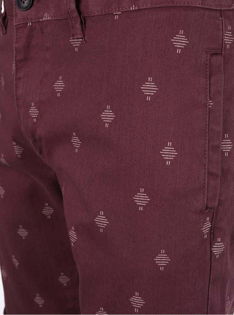 Tmavovínové vzorované chino kraťasy Blend