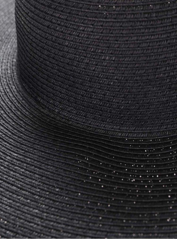 Černý slaměný klobouk s širokou krempou Pieces Benita