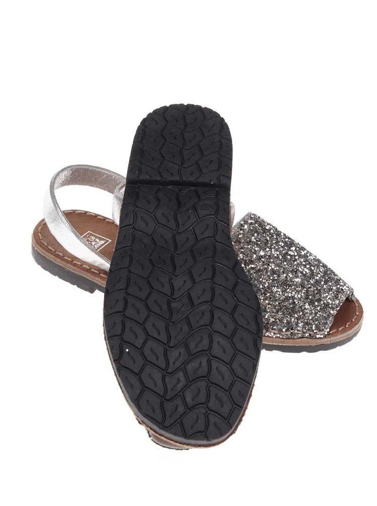 Sandálky v striebornej farbe s flitrami Colors of California