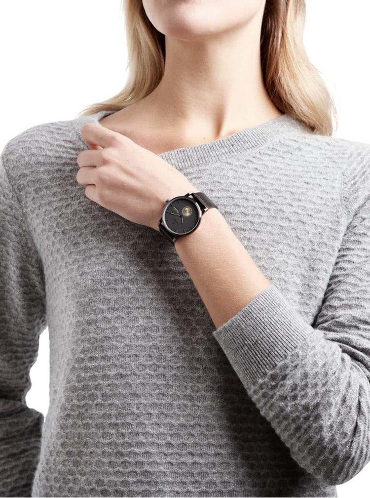 Čierne unisex hodinky s koženým remienkom TRIWA Walter Falken