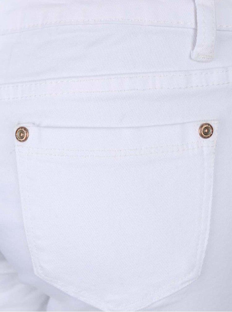 Bílé krátké šortky s roztrhaným efektem Madonna