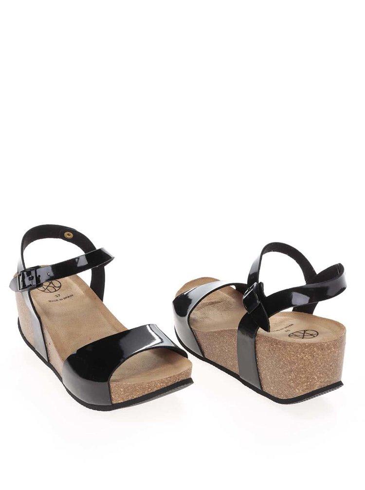 Čierne dámske lesklé sandále na platforme OJJU