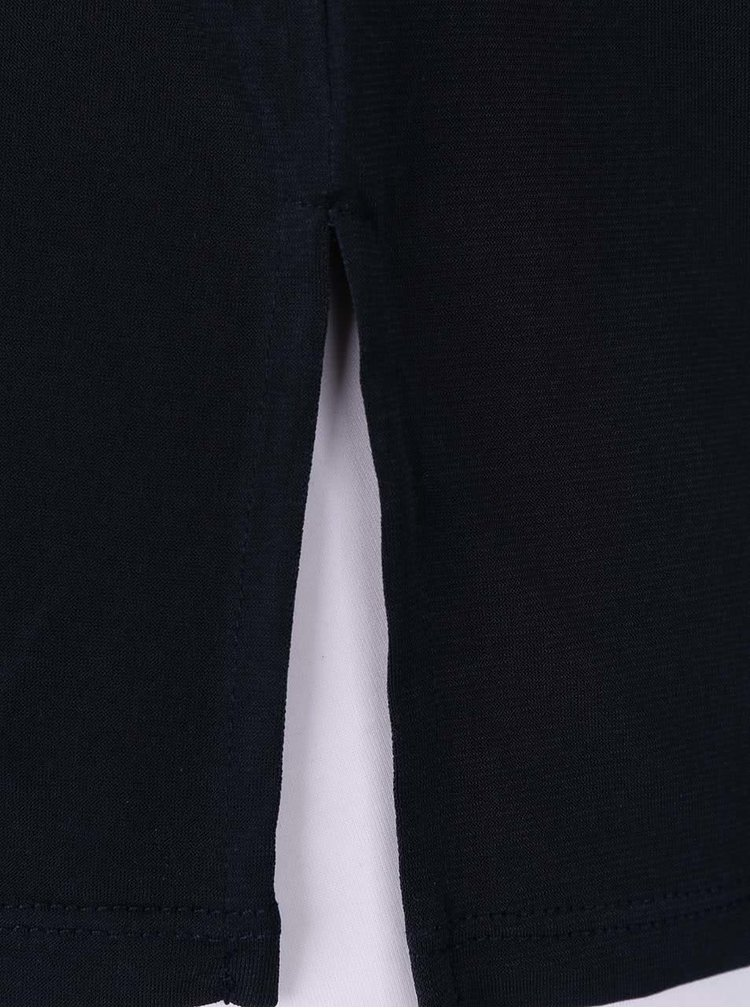 Tmavomodré tričko s ozdobným výstrihom ONLY Zig