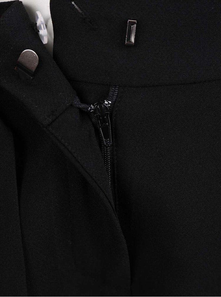 Černé kraťasy s všitým páskem VERO MODA Garry