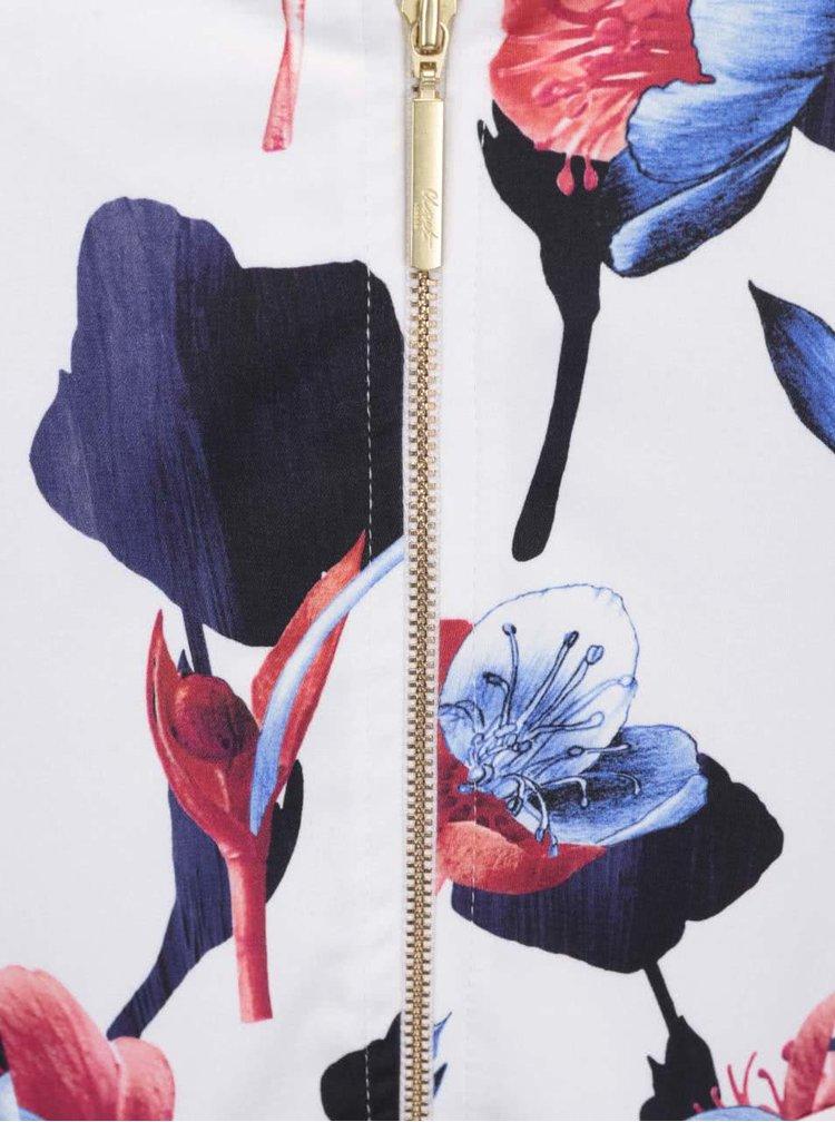 Biele šaty s červenými a modrými kvetmi Closet
