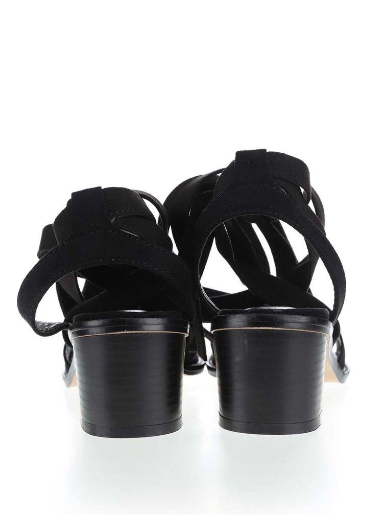 Čierne sandálky na podpätku v semišovej úprave Miss Selfridge
