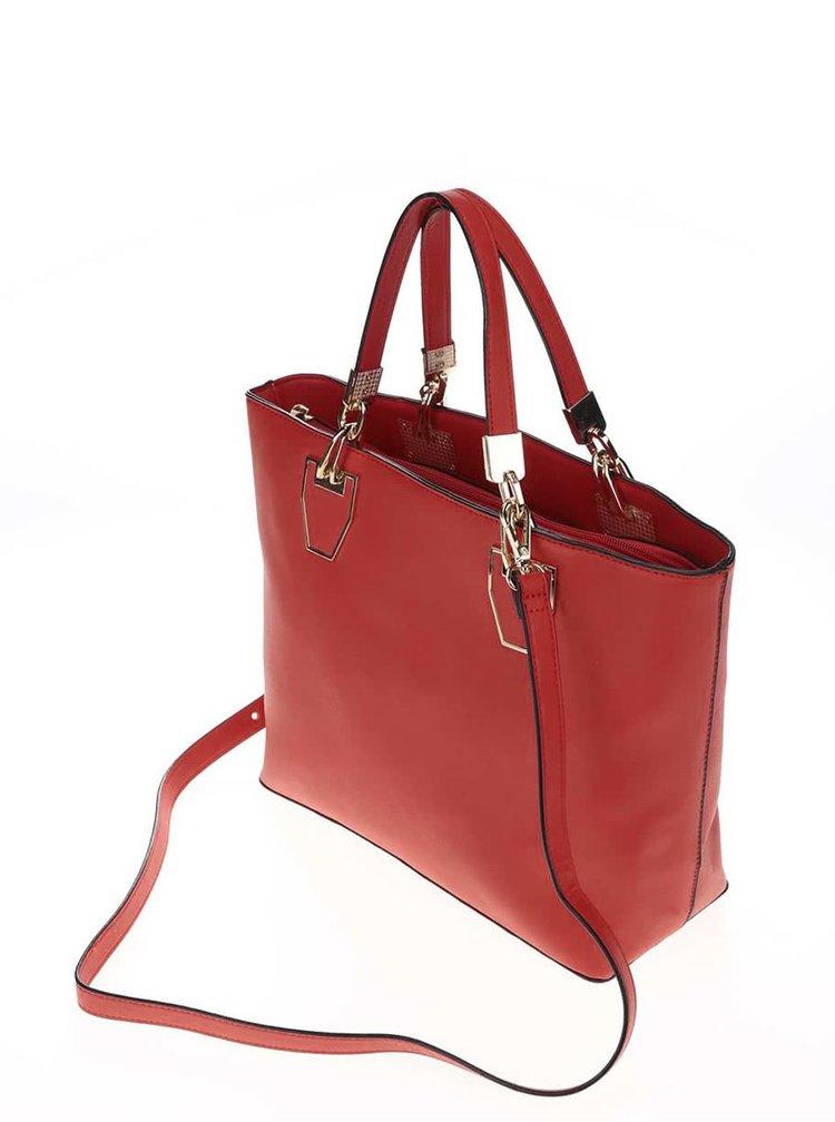 Červená kabelka do ruky s detaily ve zlaté barvě Gessy