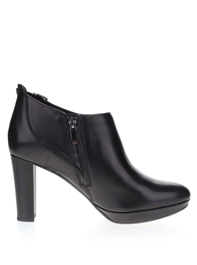 Černé kožené boty na podpatku Clarks Kendra Spice