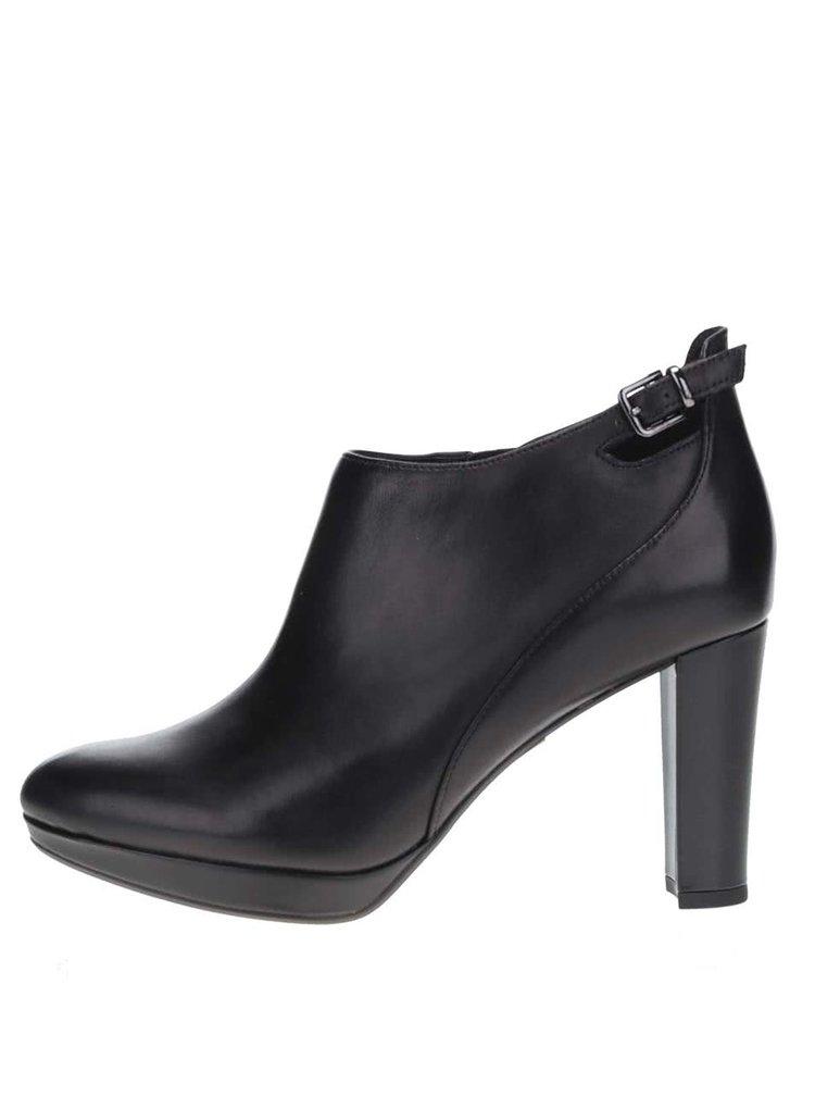 Čierne kožené topánky na podpätku Clarks Kendra Spice