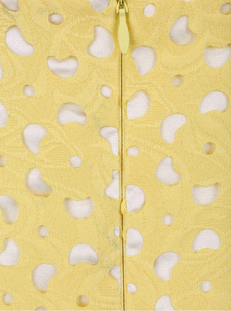 Žluté šaty na ramínka s vypalovanou krajkou Chi Chi London