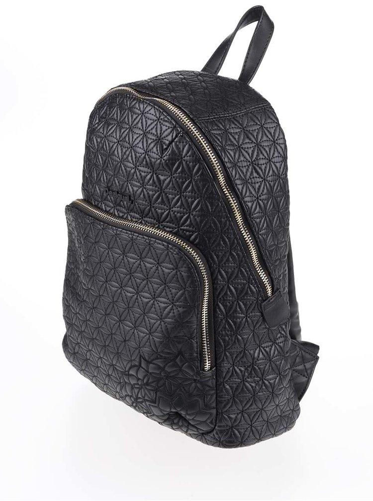 Čierny batoh s detailmi v zlatej farbe Desigual Lima Carlota