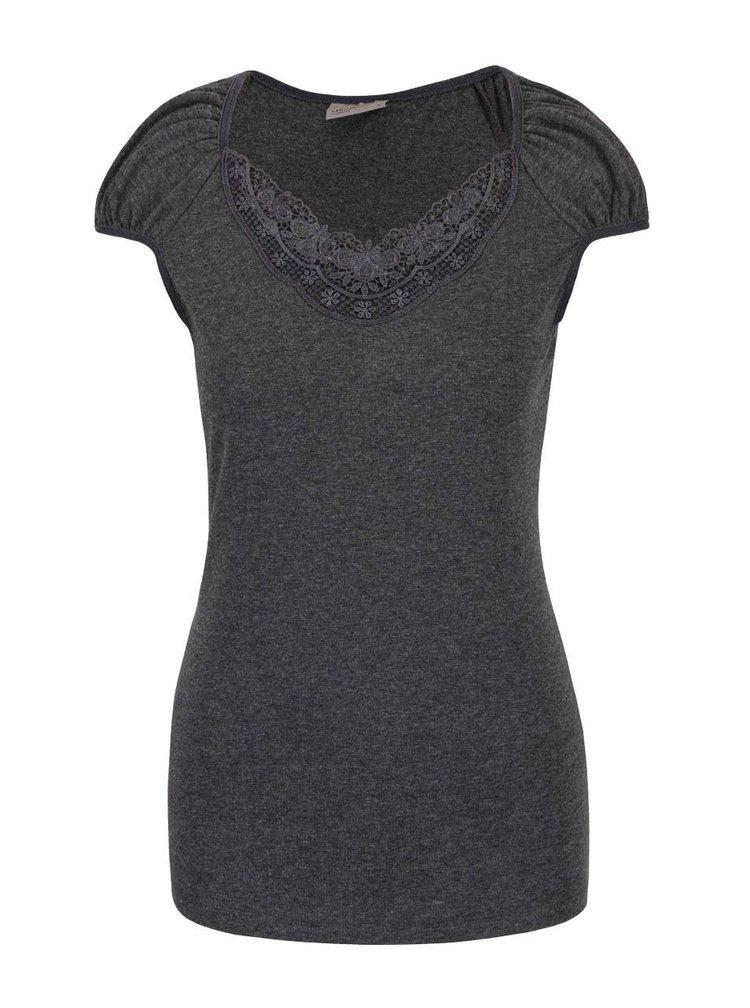 Tmavě šedé tričko s krajkovým výstřihem VERO MODA Inge