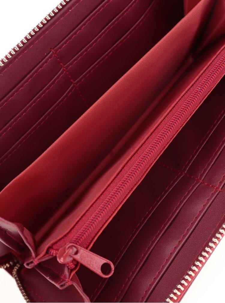 Vínová lesklá väčšia peňaženka Mi-Pac Zip