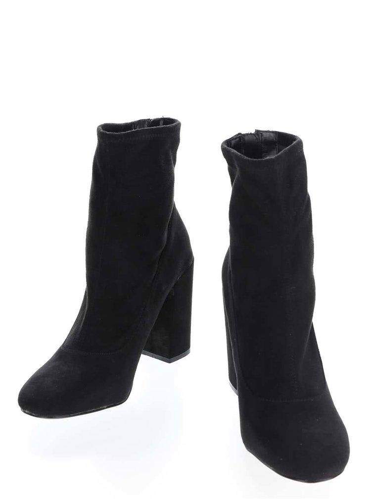 Čierne topánky na podpätku v semišovej úprave Miss Selfridge Alanis