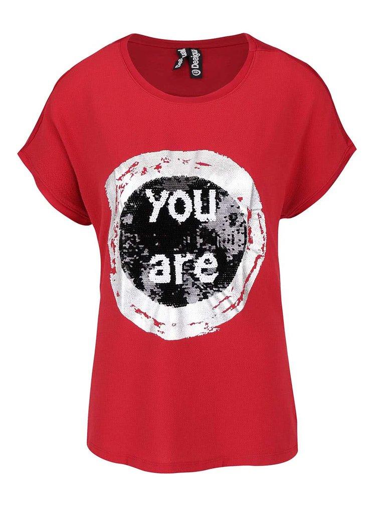 Červené tričko s flitrami Desigual Bolonia