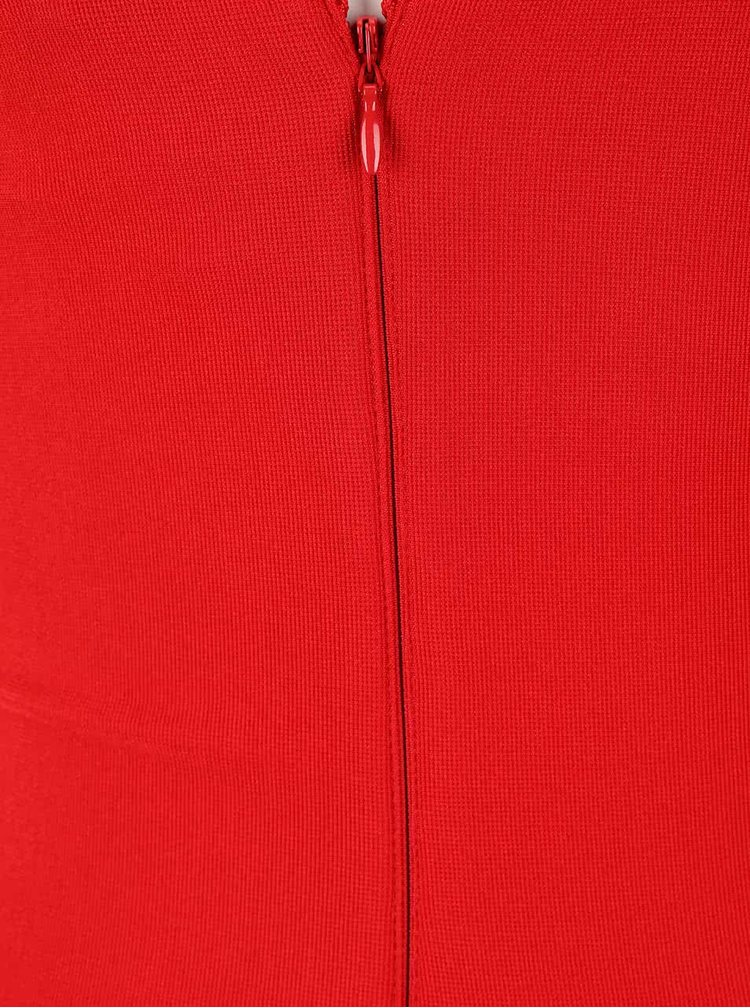Červené puzdrové šaty s čipkou Lipsy