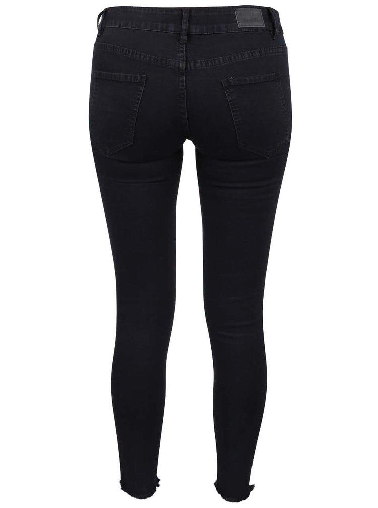 Černé džíny s roztřepenými nohavicemi Haily´s Ina