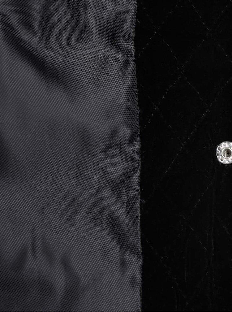 Čierny prešívaný blejzer v zamatovej úprave VERO MODA Velvy