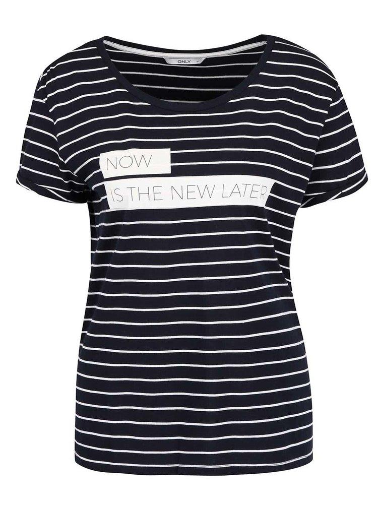 Tmavě modré pruhované tričko s potiskem ONLY Medea