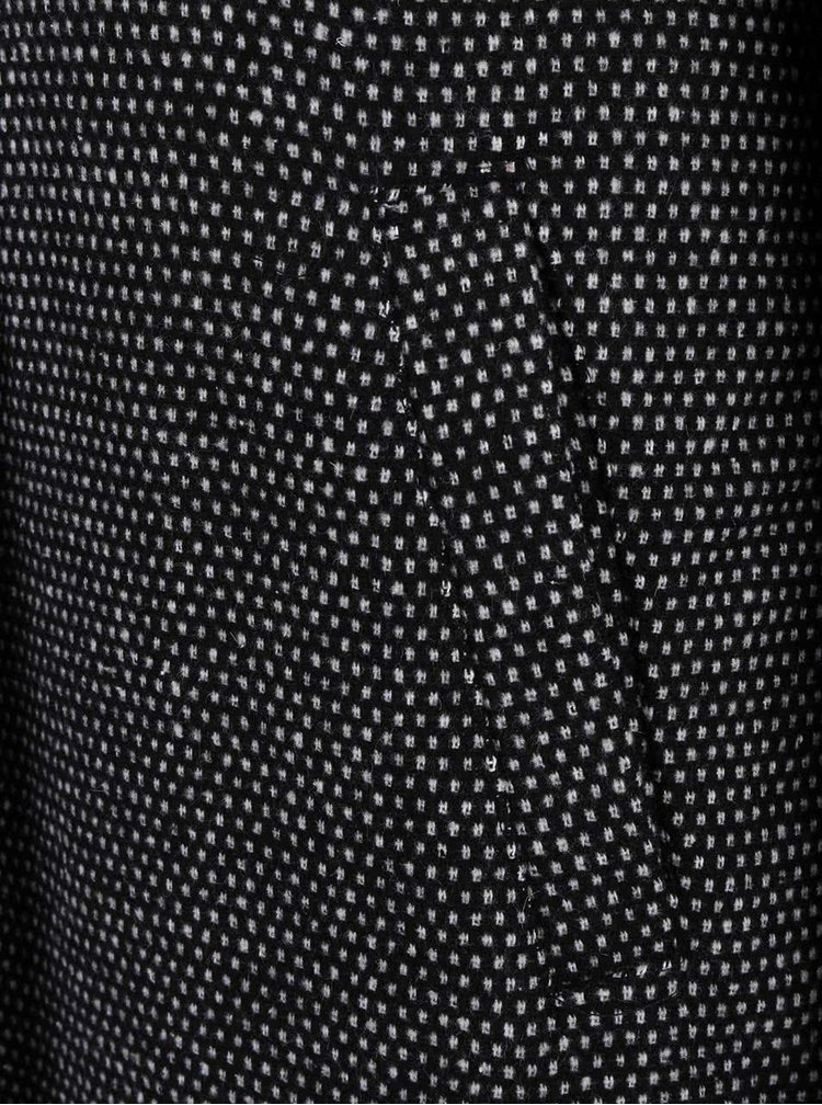 Čierny dlhší kabát so žakárovým vzorom ONLY Ally