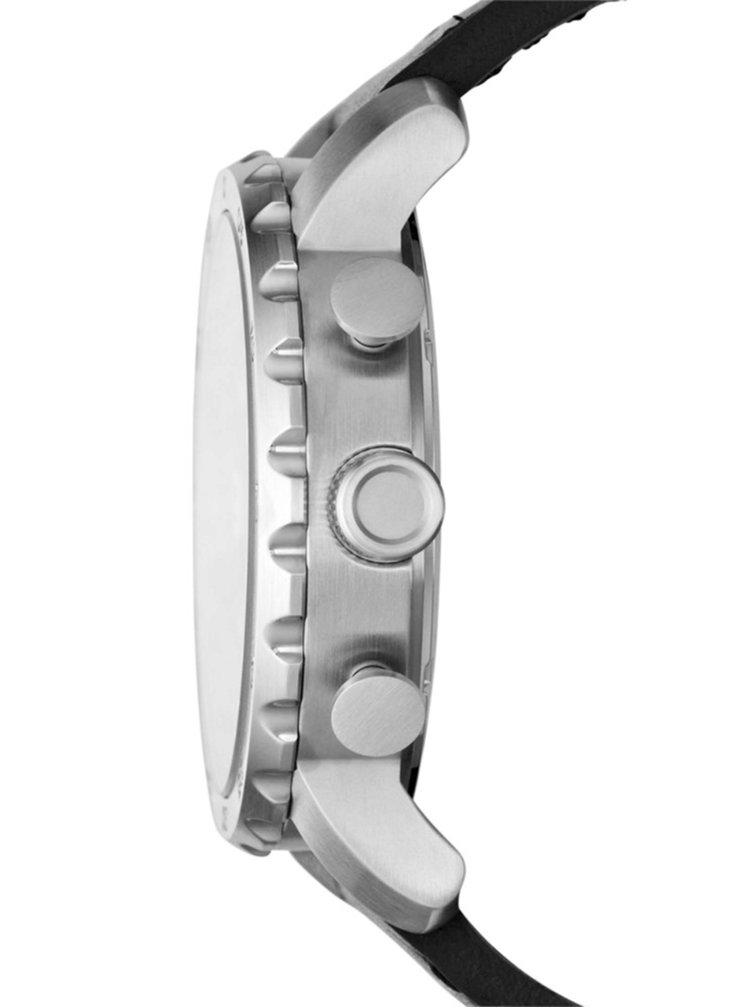 Pánske hodinky v striebornej farbe s čiernym koženým remienkom Fossil