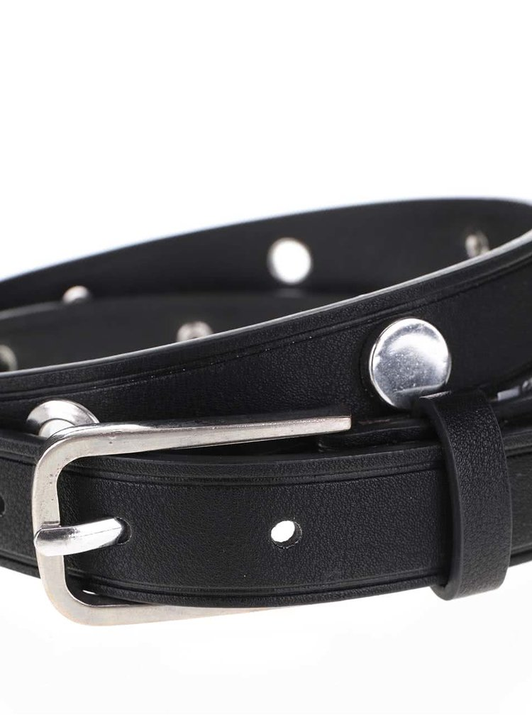 Černý pásek s cvoky ve stříbrné barvě Pieces Alene