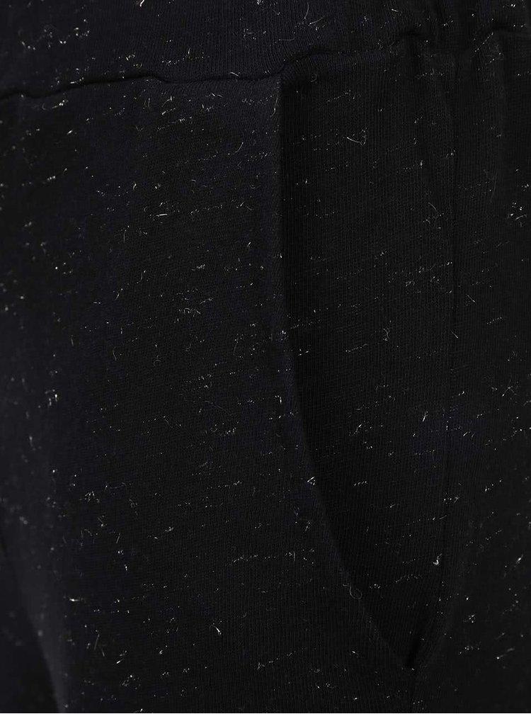 Černé holčičí tepláky s třpytivou aplikací 5.10.15.