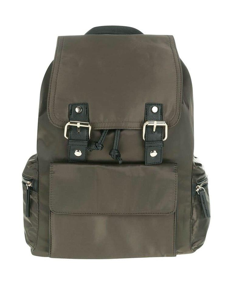 Tmavozelený batoh s detailmi v čiernej a zlatej farbe Miss Selfridge