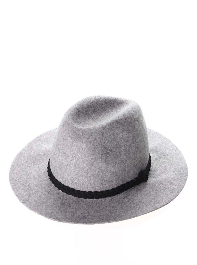 Světle šedý klobouk s páskem VERO MODA Dana