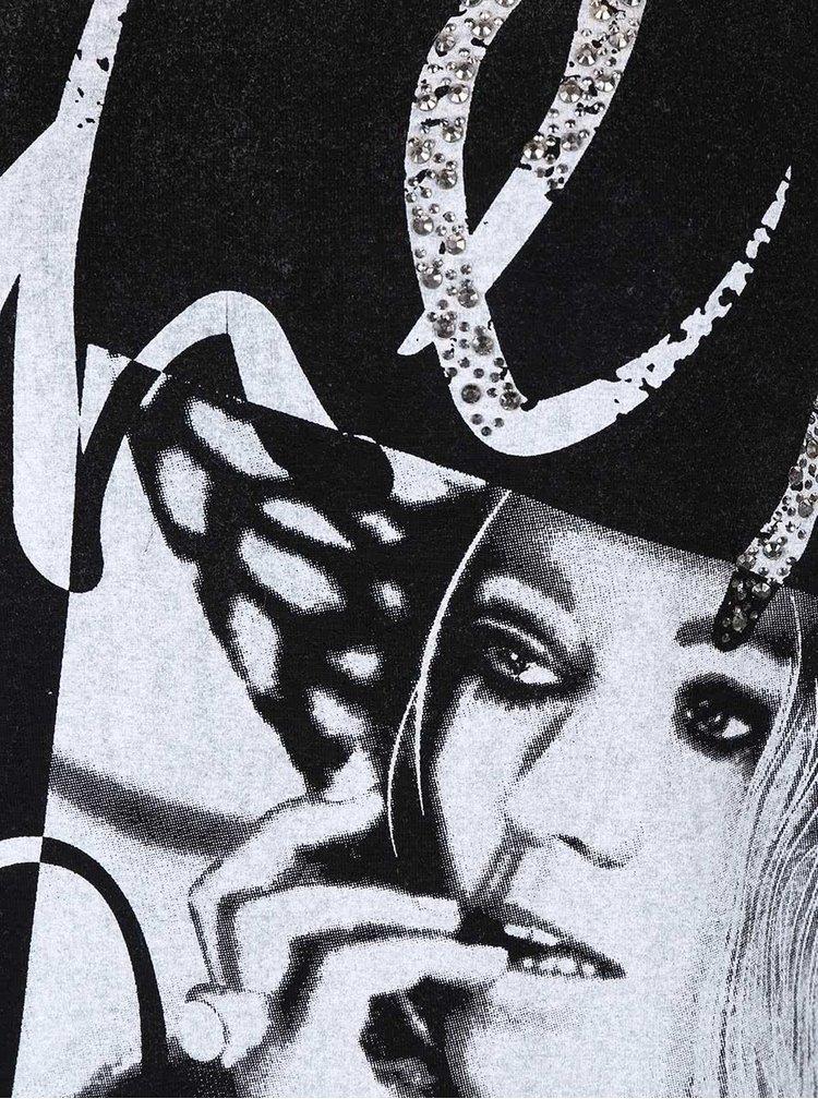 Černé tričko s potiskem a aplikací Madonna