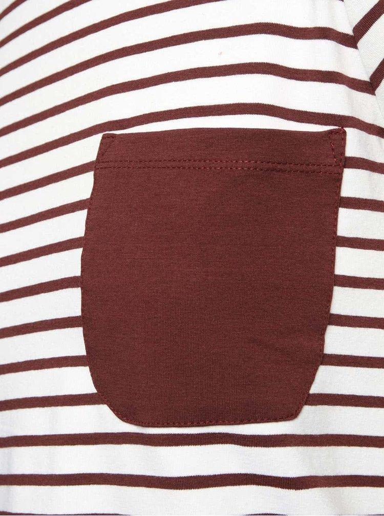 Vínovo-bílé pruhované tričko s kapsičkou Noisy May
