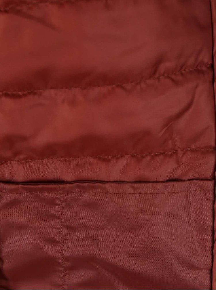 Tehlová prešívaná bunda s kapucňou ONLY Marit