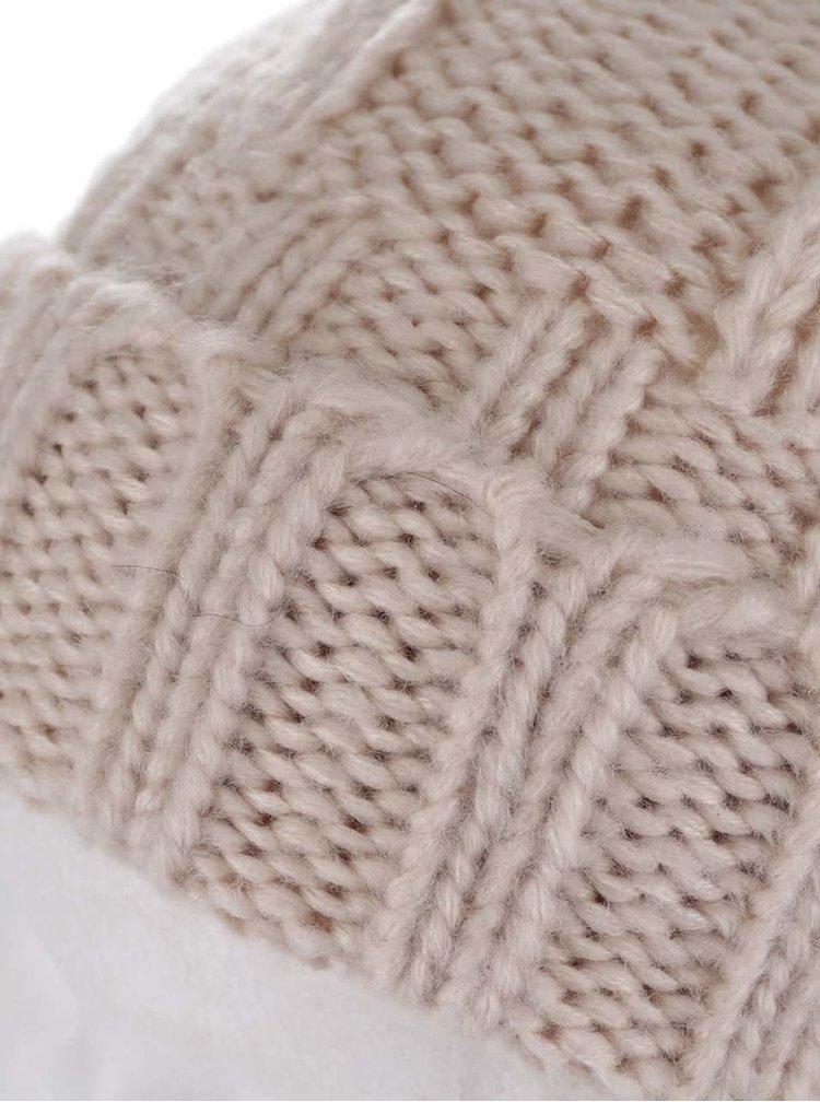 Béžová čepice s bambulí Miss Selfridge