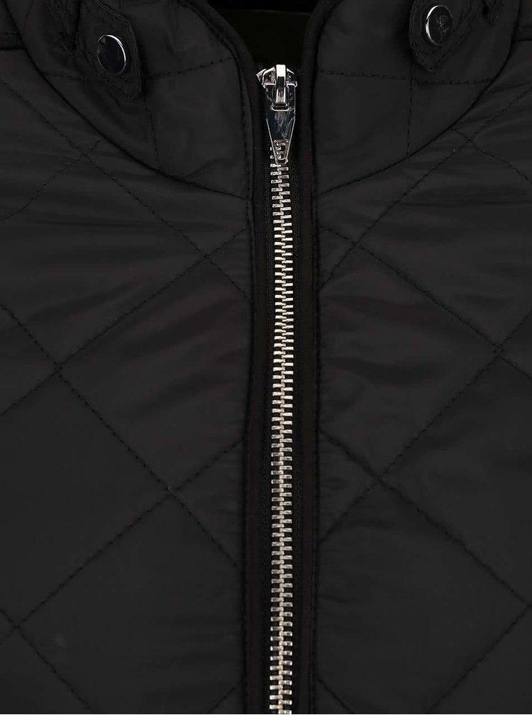 Čierna ľahšia prešívaná bunda VERO MODA You