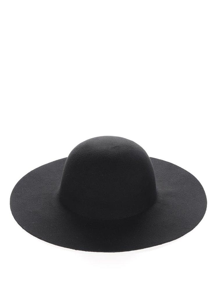 Černý klobouk VERO MODA Caro