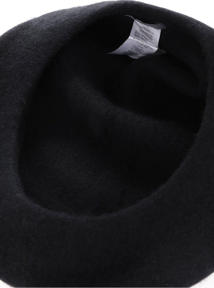 Bereta neagra din lana VERO MODA Emily