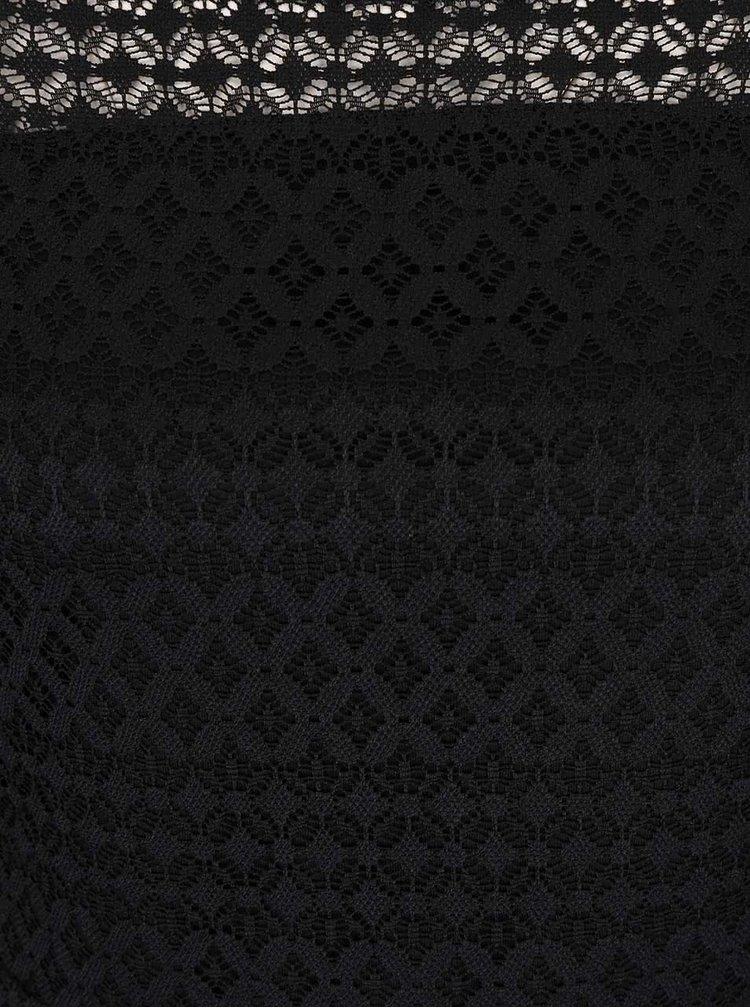 Čierne čipkované šaty s odhalenými ramenami VERO MODA Kanel