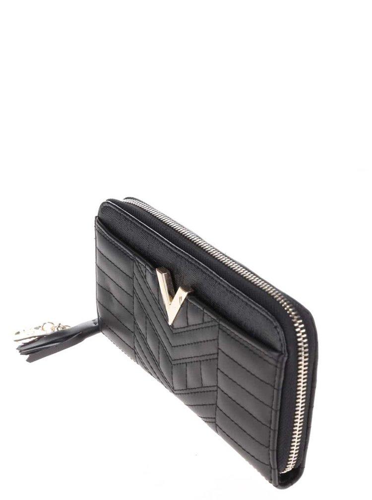 Černá peněženka s detaily ve zlaté barvě LYDC