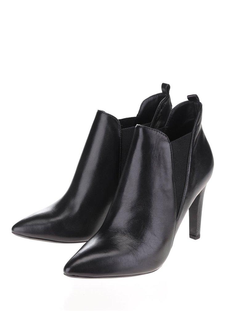 Černé dámské kožené boty na podpatku Geox Caroline