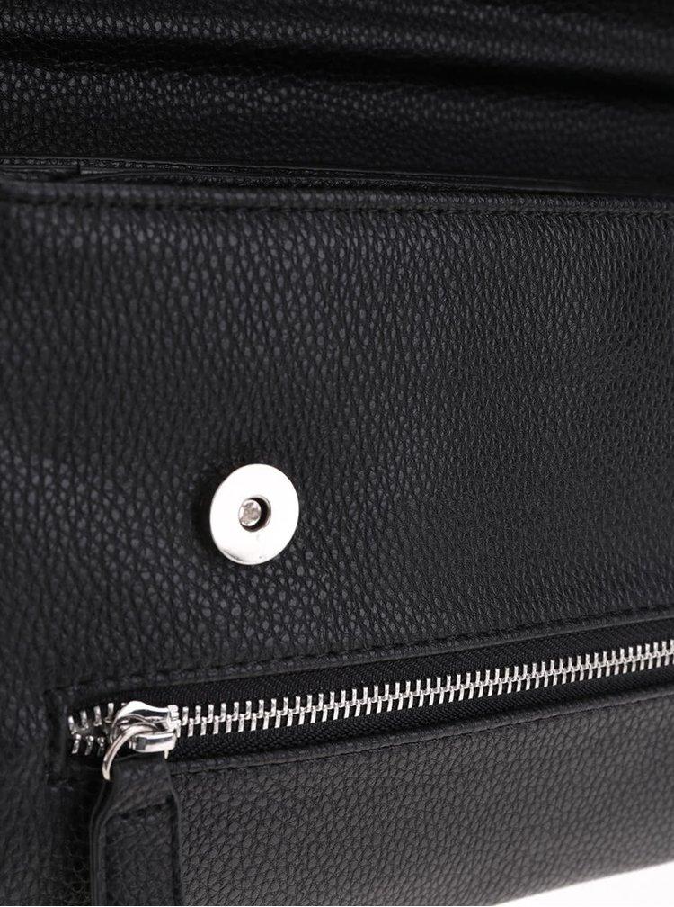 Černá crossbody kabelka s detaily ve stříbrné barvě Gionni Lia