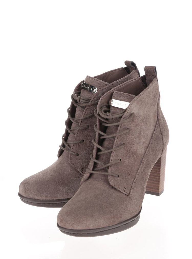 Sivohnedé semišové topánky na podpätku Tommy Hilfiger