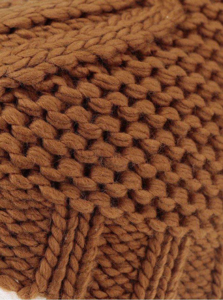 Hnedá čapica s brmbolcom Pieces Polka